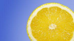 maschera naturale per capelli al limone