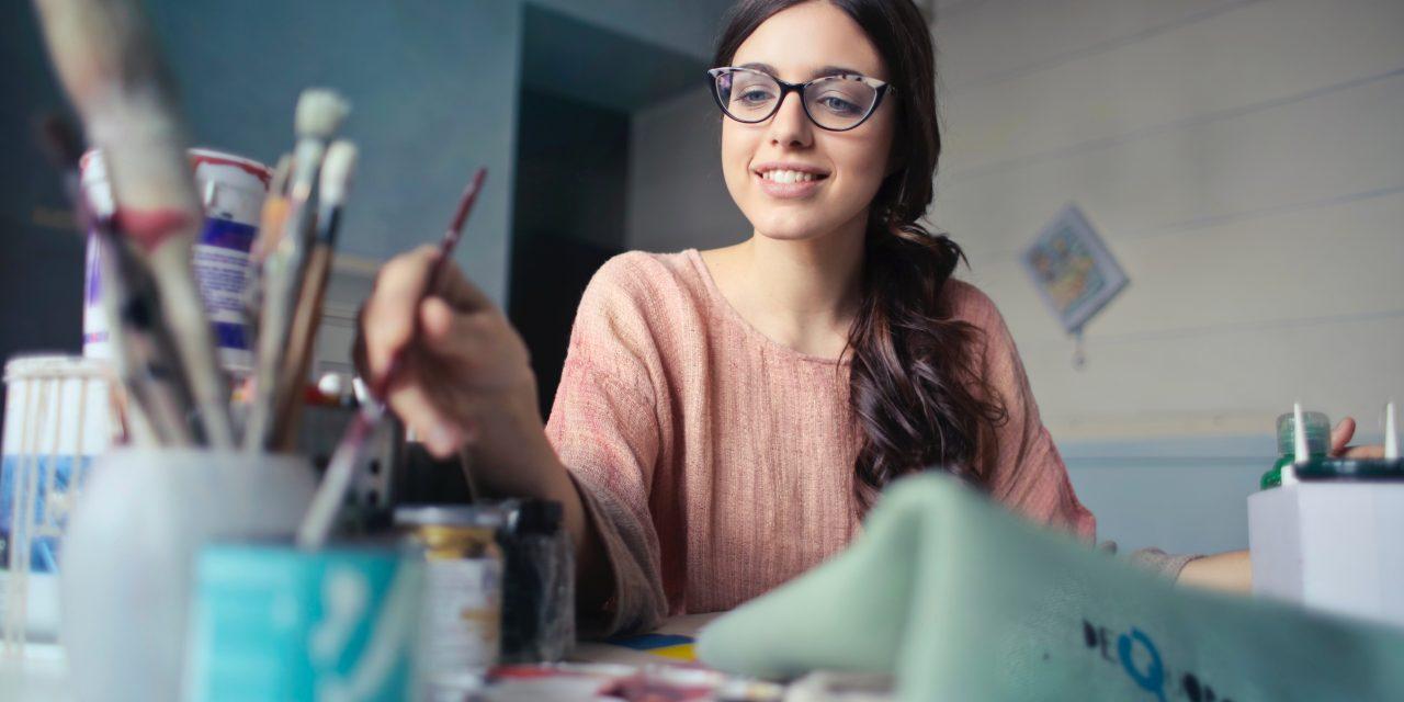 Lavori creativi che puoi fare da casa come freelance benessere e lifestyle - Lavori da fare a casa ...