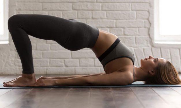 5 semplici esercizi per migliorare la postura sul lavoro o a casa